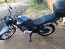 Vendo moto Honda 150 por 5.500 urgente