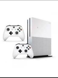 Xbox One S 1Tb com dois controles e 3 meses de gamepass ou live gold