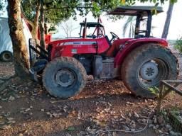 Trator de pneu Massey Fergunson 4x4