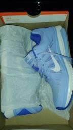 Nike Dart 12 MSL. Cor:azul