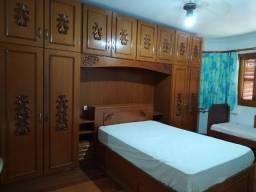 Alugo quarto para mulher