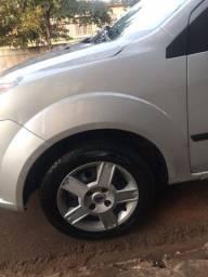 Fiesta Sedan 1.0