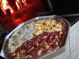 Precisa se de pizzaiolo com experiência forno a lenha