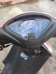 Vendo uma moto bravax 50cc