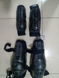 Vendo kit de proteção para cotovelos e joelhos