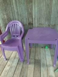 Mesa Com 3 Cadeiras Perfeita