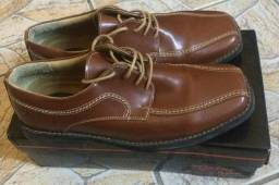 Sapato de ótimo acabamento forte, novo