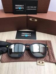 Óculos Oakley Latch squared VR46 polarizado novo