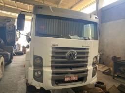 Caminhão 24 250 6x2 com tanque de leite