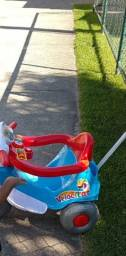 Título do anúncio: Triciclo azul Calesita ( Praticamente Novo)