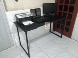 Título do anúncio: Escrivaninha Home office grande em aço Preta