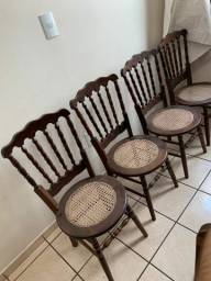 Título do anúncio: Cadeiras imbuia maciça antiga