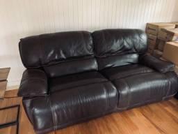 Título do anúncio: Sofá em couro, reclinável com acionamento elétrico