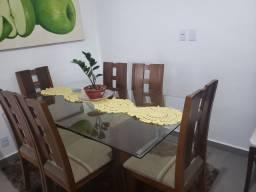 Mesa de seis cadeiras