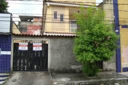 Alugo casa - centro - Nova Iguaçu - RJ.