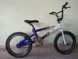 Título do anúncio: vendo ou troco bicicleta bmx aro 24
