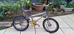 Cross  Bmx....aro 20.bicicleta cromada.zerada