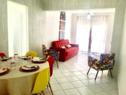 Apartamento 2 dormitórios Centro e próximo ao mar em Balneário Camboriú