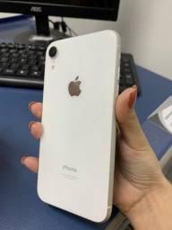 iPhone XR sem marcas de uso IMPECÁVEL!
