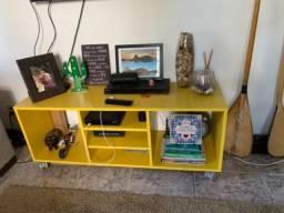 Vendo rack amarelo e estante (rack tok stok) comprar usado  Niterói