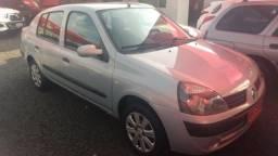 Clio Sedan(1.0)(completo(Financie*até 100%do veiculo(Parcelas a partir de R$449,90) 04/05 - 2005