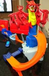 Conjunto Hot Wheels Mattel Covil do Dragão