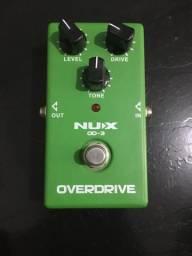 Pedal de efeito Nux overdrive