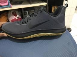 Tênis Nike Fly By Low 42