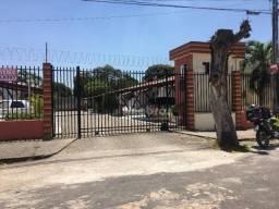 Casa Plana em Condomínio á venda no José de alencar.