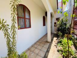 Casa em Presidente Prudente composta por 2 apartamentos e edicula completa
