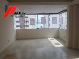 Apartamento de 4 dormitorios para locação centro