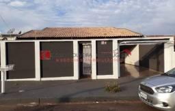 Casa com 5 quartos - Bairro Bandeirantes em Londrina