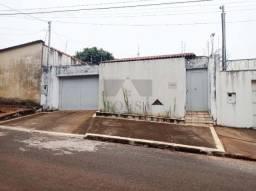 IMOVEL CAIXA LEILÃO CASA TRÊS QUARTOS SENDO UMA SUÍTE BAIRRO RESIDENCIAL GRAMADO