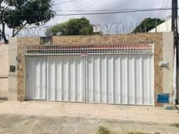Casa com 3 dormitórios à venda, 108 m² por R$ 380.000,00 - Maraponga - Fortaleza/CE