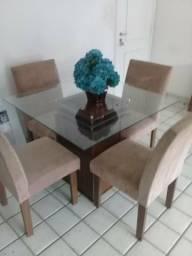 Conjunto Mesa e 4 cadeira