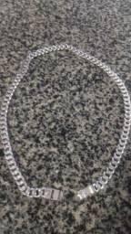 Vendo volta de prata com 80 gramas toda macissa,60 centímetros