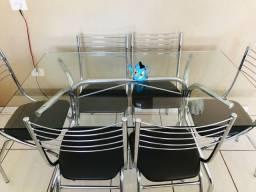 Mesa com tampo de vidro, 6 cadeiras