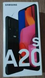 Samsung Galaxy A20s na caixa