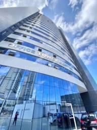 Alugo Sala Comercial no OTC - Candelária - 22m² c/ piso porcelanato e WC - R$ 950