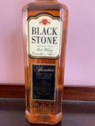 Black stone malt whisky carvalho e alcool