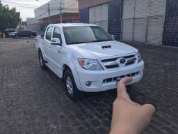 Hilux SRV 3.0 turbo diesel 4x4 2005/2006 manual. Eliezer *!