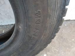 Pneu caminhão e ônibus Radial 900/20