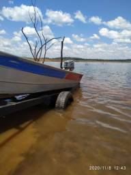 Barco e motor de popa Honda