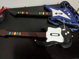 Duas guitarras de PS2 (leia a descrição) - DOURADOS