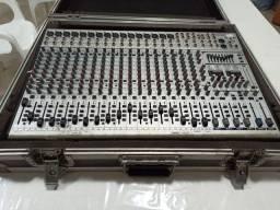 Mesa de Som Behringer SL3242FX-Pro