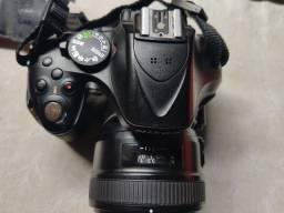 Câmera Nikon D5-200