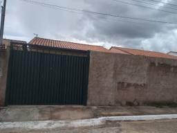 Agio casa 2 quartos Santo Antônio Descoberto