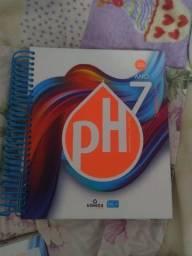 Título do anúncio: 4 apostilas e caderno de lingua inglesa sétimo ano ensino ph (pouco usada,quase nova)