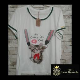 T-shirt feminina passeio com  o Cat