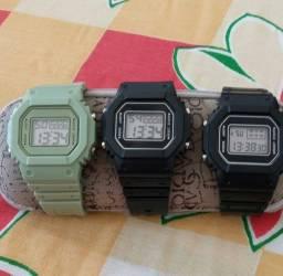 Relógio digital  30 reais